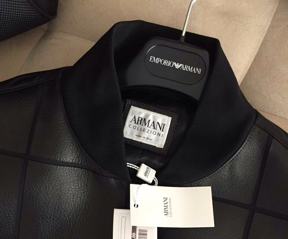 A detailed photo of this obsessively chic Armani leather.