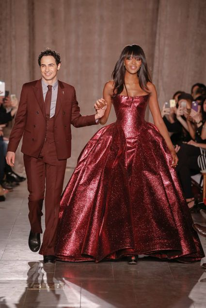 Zac Posen on the catwalk with Naomi Campell